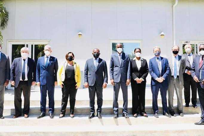 Le président Jovenel Moïse et des membres de l'opposition ont rencontré la mission de l'OEA en Haïti