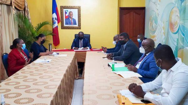 Rencontre au sommet du PM Claude Joseph autour de la situation des déplacés de Martissant