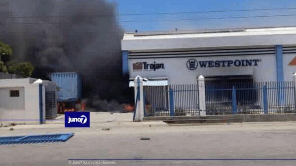 Tension après les funérailles du président : Valerio Canez et Capital Bank attaqués à Quartier Morin