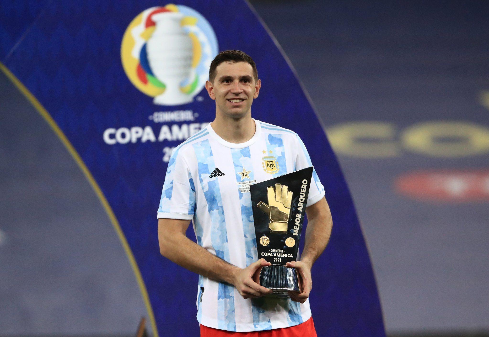 Emiliano Martinez jwe yon gwo wòl nan siksè Ajantin anndan Kopa Amerika a