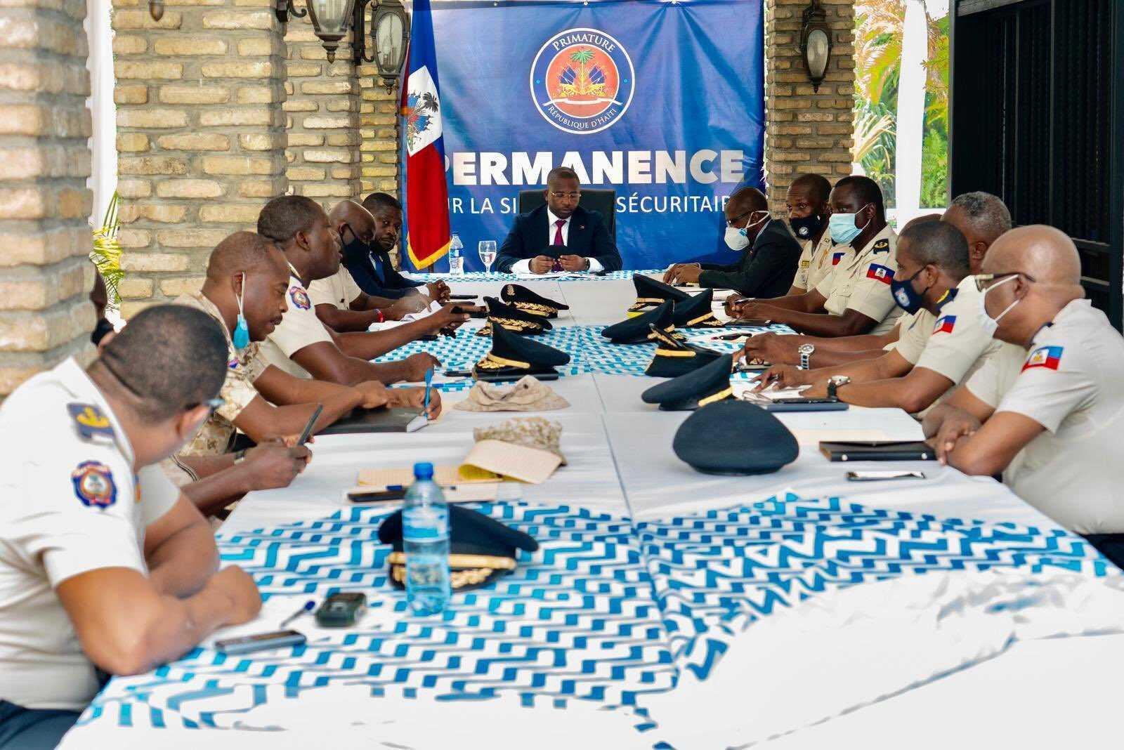 Sécurité: Claude Joseph réunit le commandement de la PNH