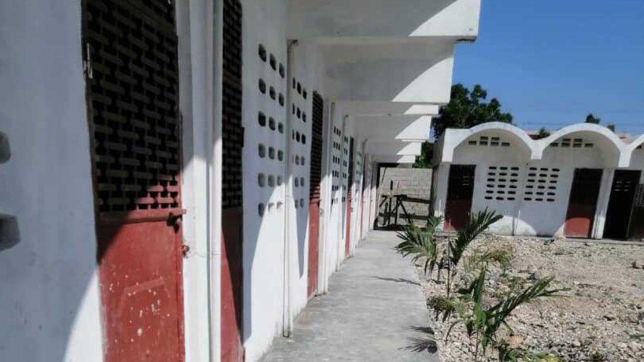 Reginald Boulos annonce la fin des travaux de construction d'une école à La Saline