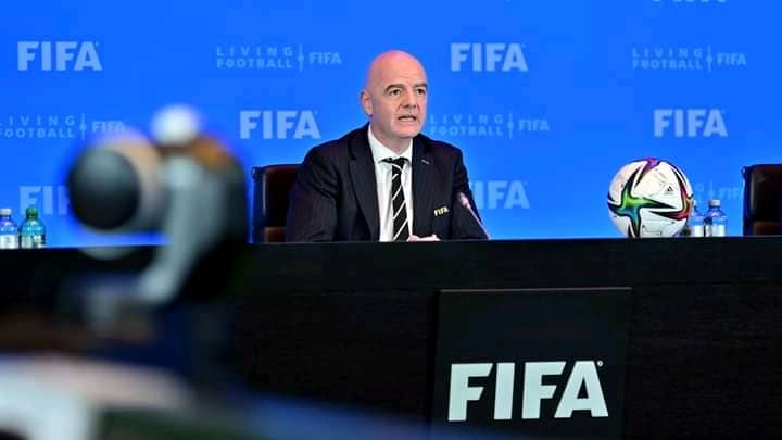 FIFA ap pare pou teste 4 nouvo règ ki ka chanje jwèt foutbòl la konplètman