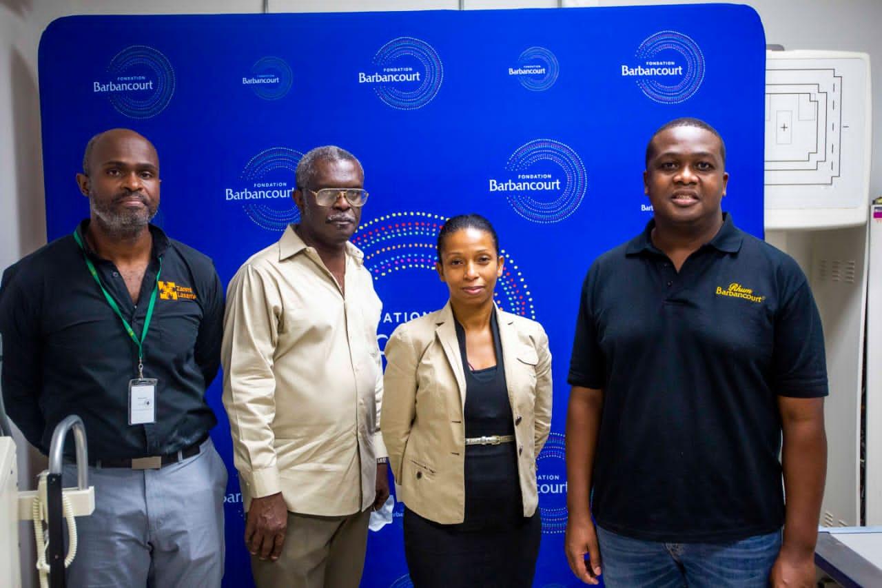 La Fondation Barbancourt fait don de deux appareils de radiographie mobiles à l'Hôpital Universitaire de Mirebalais