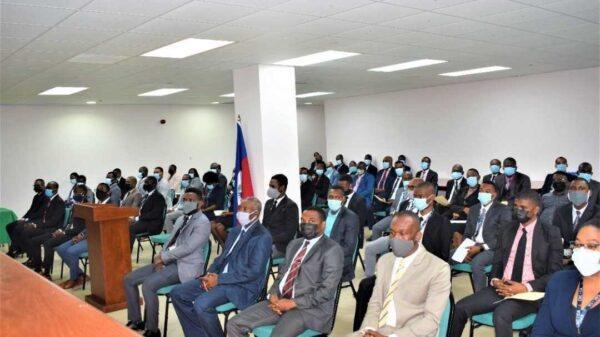 73 vérificateurs prêtent serment à la cour supérieure des comptes