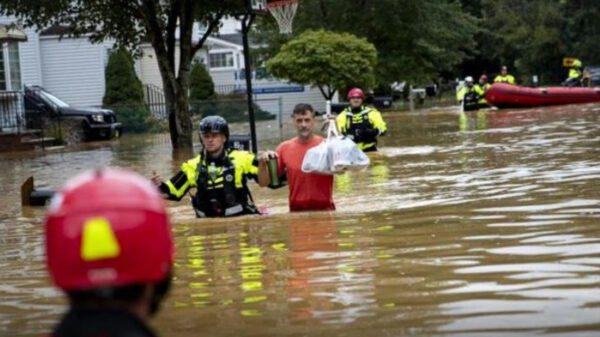 Plus de 100000 Américains sans électricité après le passage de la tempête tropicale Henri