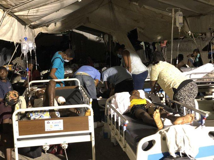 Séisme du 14 août: Zanmi Lasante, l'HUEH, l'hôpital Bernard Mevs volent au secours des blessés