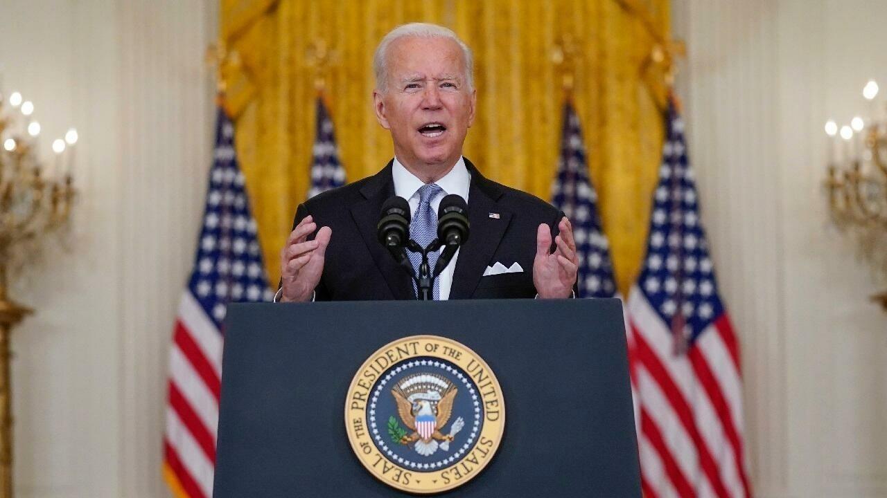 Afghanistan aux mains des talibans, Joe Biden continue de défendre le retrait des américains
