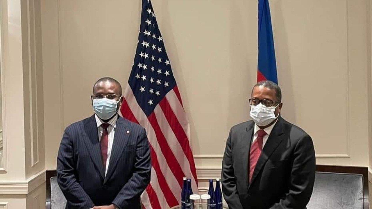 Crise migratoire: Claude Joseph discute du traitement infligé aux Haïtiens avec un haut responsable américain
