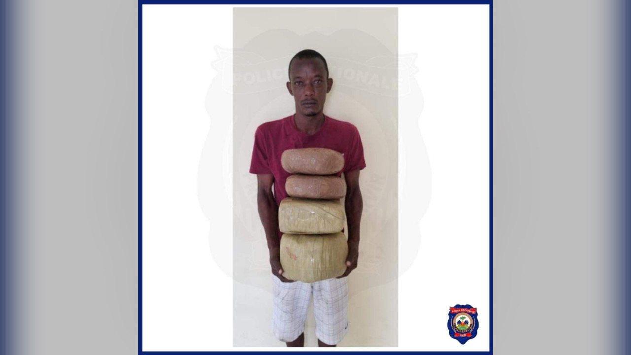 Un individu arrêté, 13 kilos de marijuana saisis à Ile-à-Vache par la PNH
