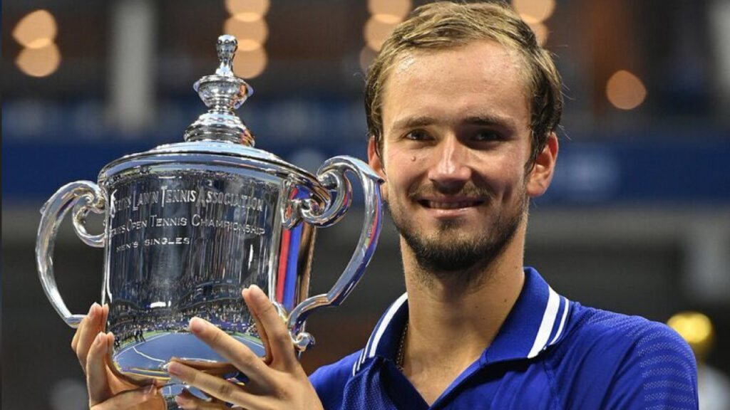 Daniil Medvedev remporte l'US Open en battant Novak Djokovic