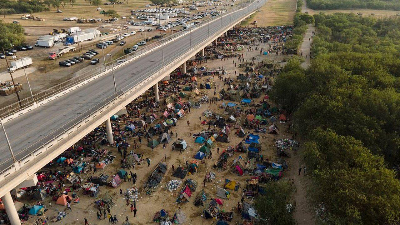 De nombreux migrants haïtiens libérés aux États-Unis