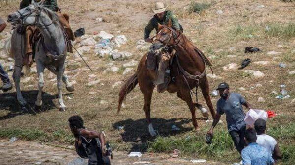 Des congressmen réagissent sur les mesures répressives prises contre les migrants haïtiens au Texas