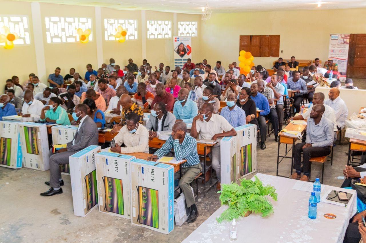 Haïti Efficace: une centaine d'enseignants formés sur l'utilisation des outils technologiques à Thomonde