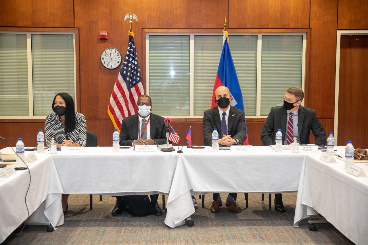 Les émissaires ont rencontré des représentants de la société civile sur la crise haïtienne